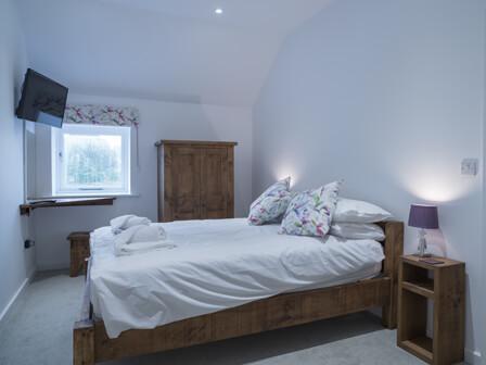 redhurst master bedroom