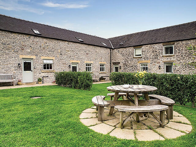 Holiday Cottages in the Peak District at Endmoor