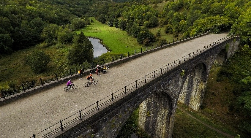 Places to treat your dad on Father's Day in the Peak District, cycle trails